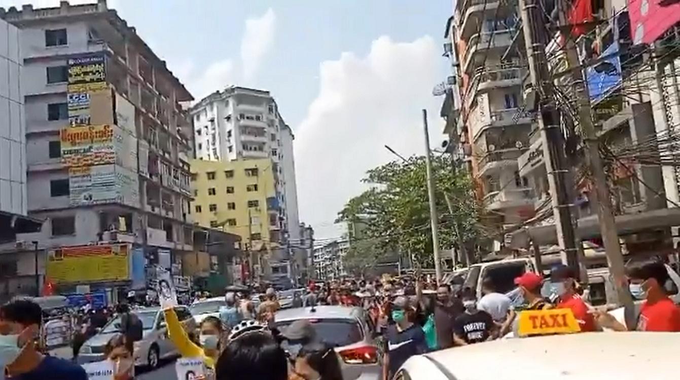 Rakyat Myanmar Membangkang, Demonstrasi Tolak Kudeta Militer