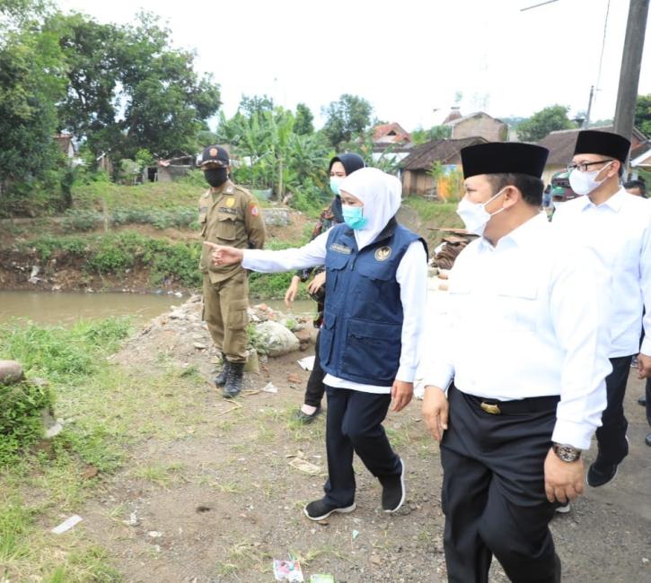 Banjir Genangi Rumah Bupati Jember yang Baru Dilantik