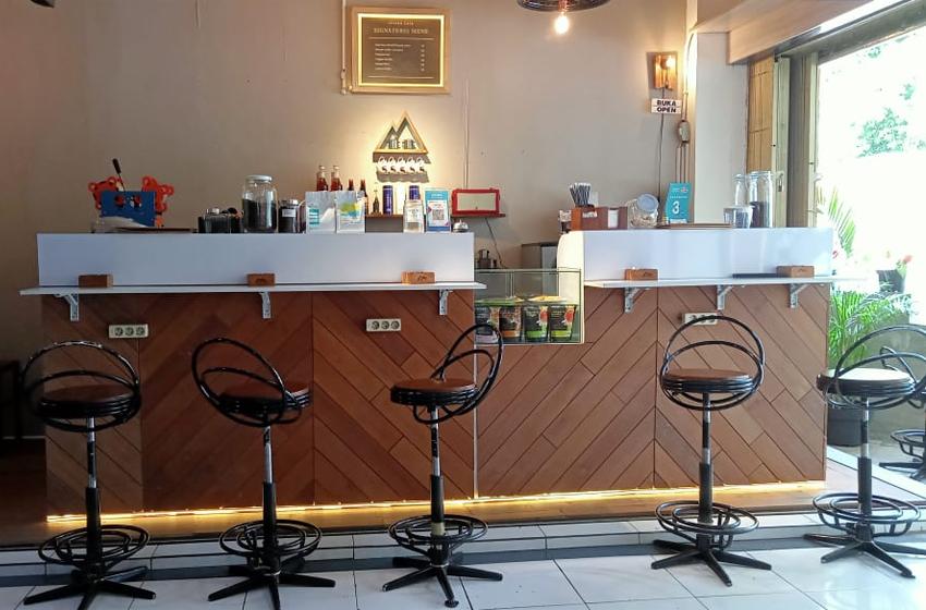 Grand Opening Maneh Café