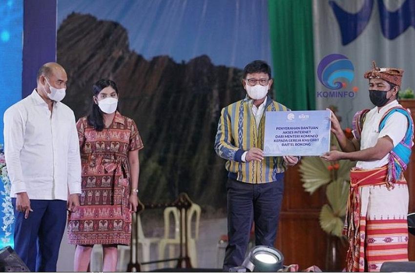 Menteri Johnny Pulang Kampung Bawa Program Literasi Digital