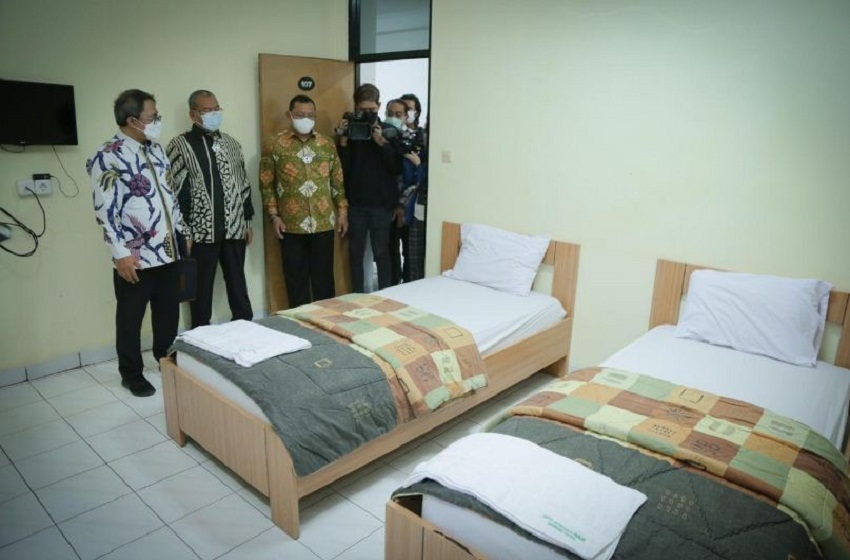 Ada 1.003 Pasien Covid Isolasi di Asrama Haji