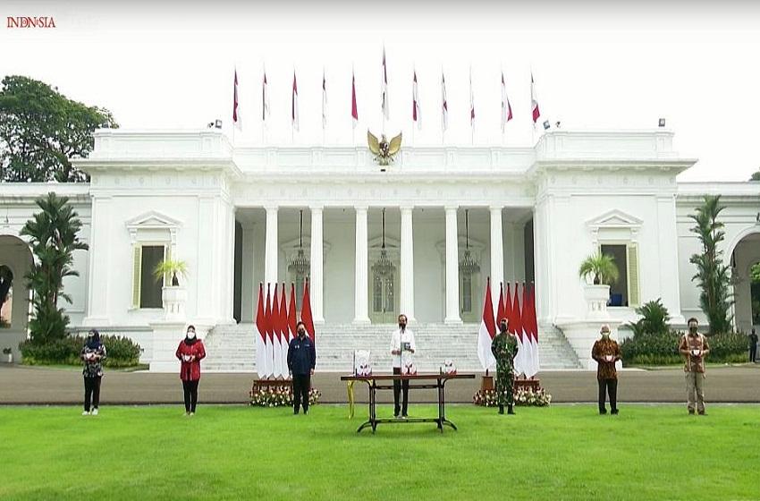 Presiden Minta Pengawasan Ketat 300 Ribu Paket Obat Isoman Gratis