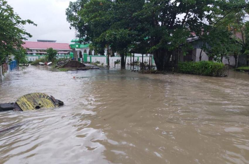 Banjir dan Longsor Landa Tiga Kabupaten di Sulsel, Satu Warga Dilaporkan Meninggal Dunia