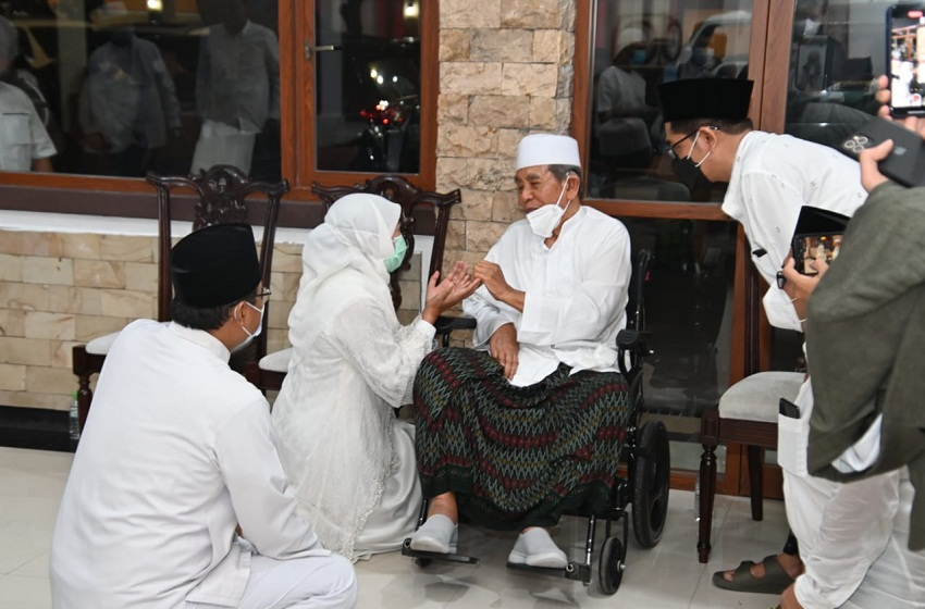 KH Zainuddin Djazuli Wafat, Gubernur Jatim: Sosok Ulama Disiplin, Konsisten, dan Tegas