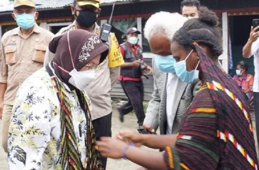 Sapa Warga Papua, Mensos Risma Tekankan Pentingnya Membangun Kualitas SDM