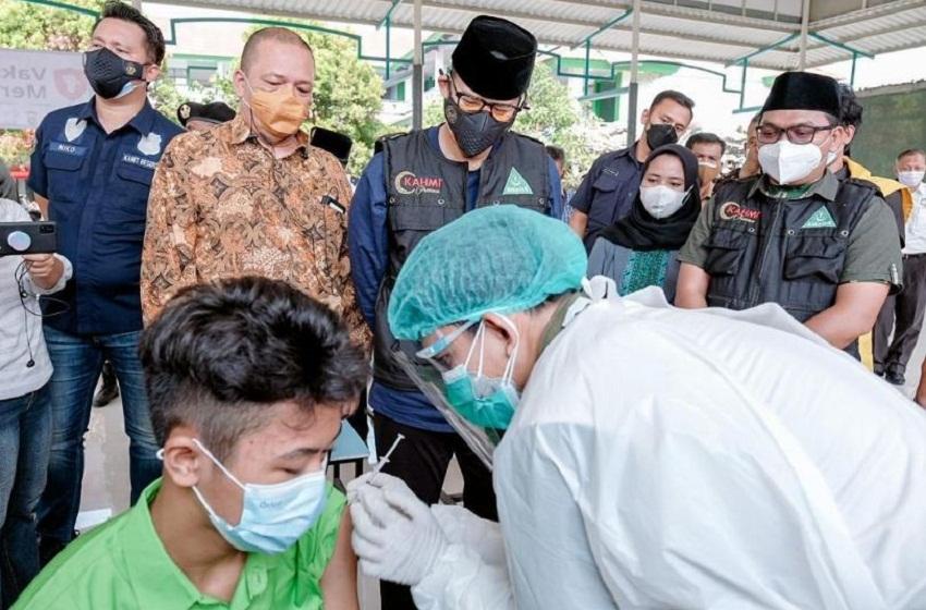 Menparekraf Apresiasi Sentra Vaksin Anak di Wilayah Jakarta Barat