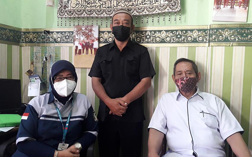 YPRJ Bersama Polsek Duren Sawit Gelar Vaksinasi Bagi Siswa Perguruan Rakyat