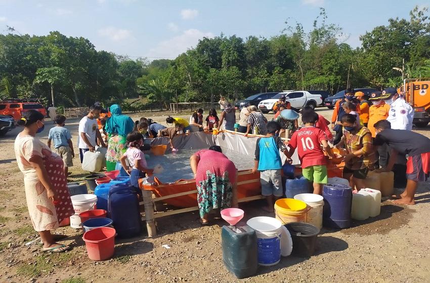 Sebagian Daerah Dilanda Kekeringan, BPBD Jatim Salurkan Air Bersih