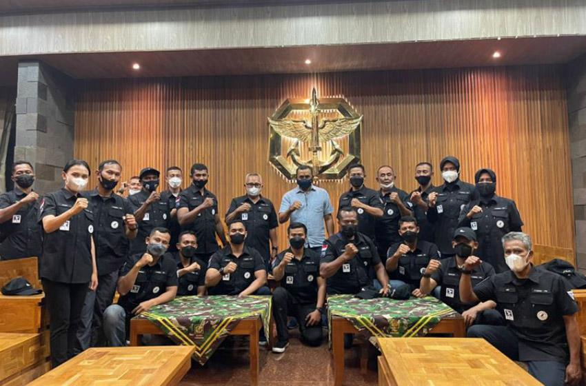 Danjen Kopassus Semangati Atlet Terjun Payung Papua Barat