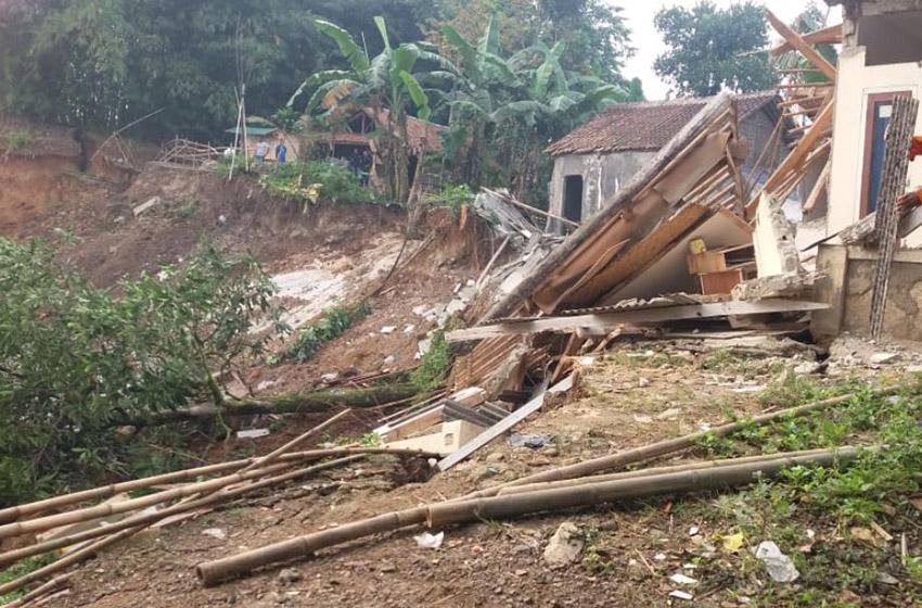 Bencana Tanah Longsor di Kabupaten Bogor, Sejumlah Rumah Rusak, 93 Warga Mengungsi