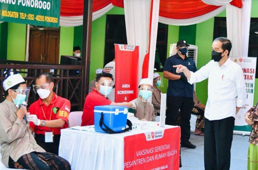 Presiden Berharap Seluruh Provinsi Capai 70% Vaksinasi Covid di Akhir Tahun