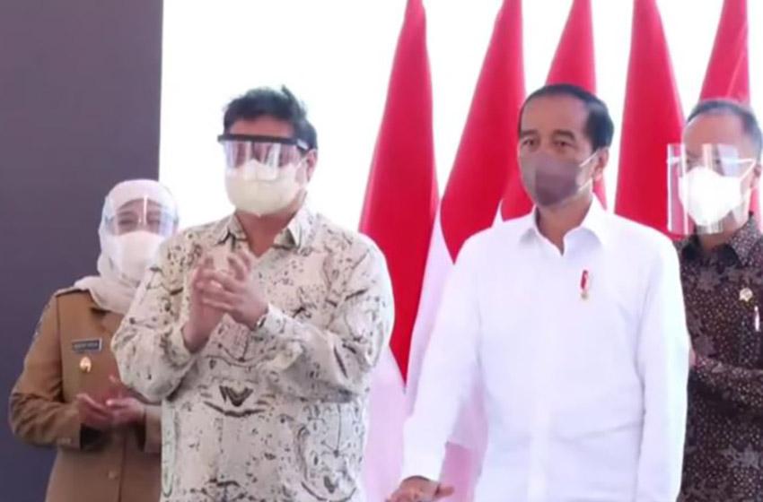Jokowi Resmikan Pembangunan Smelter di Gresik, Gubernur Khofifah: Ini Kado Terindah  HUT Jatim Ke-76
