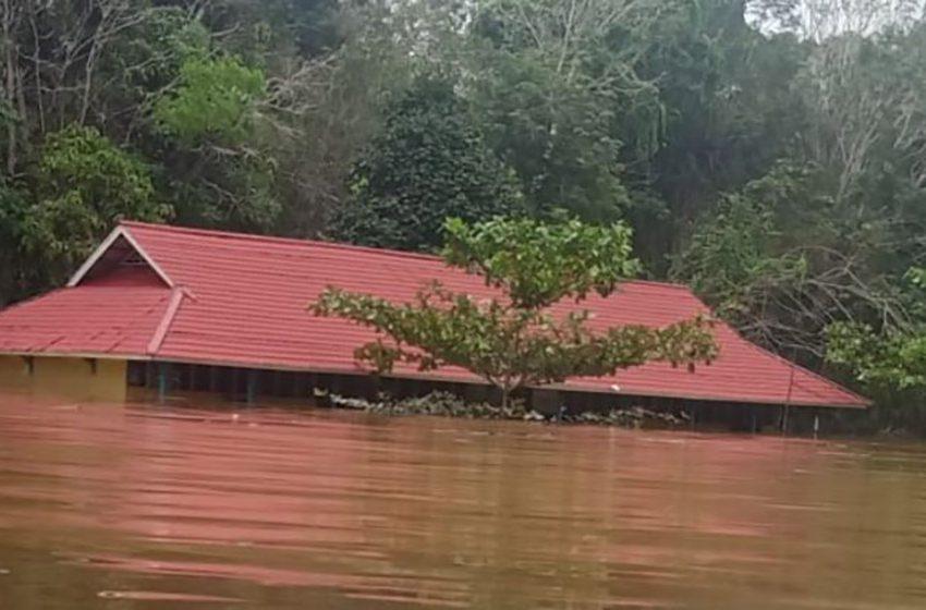 Banjir dan Longsor di Melawi Kalbar